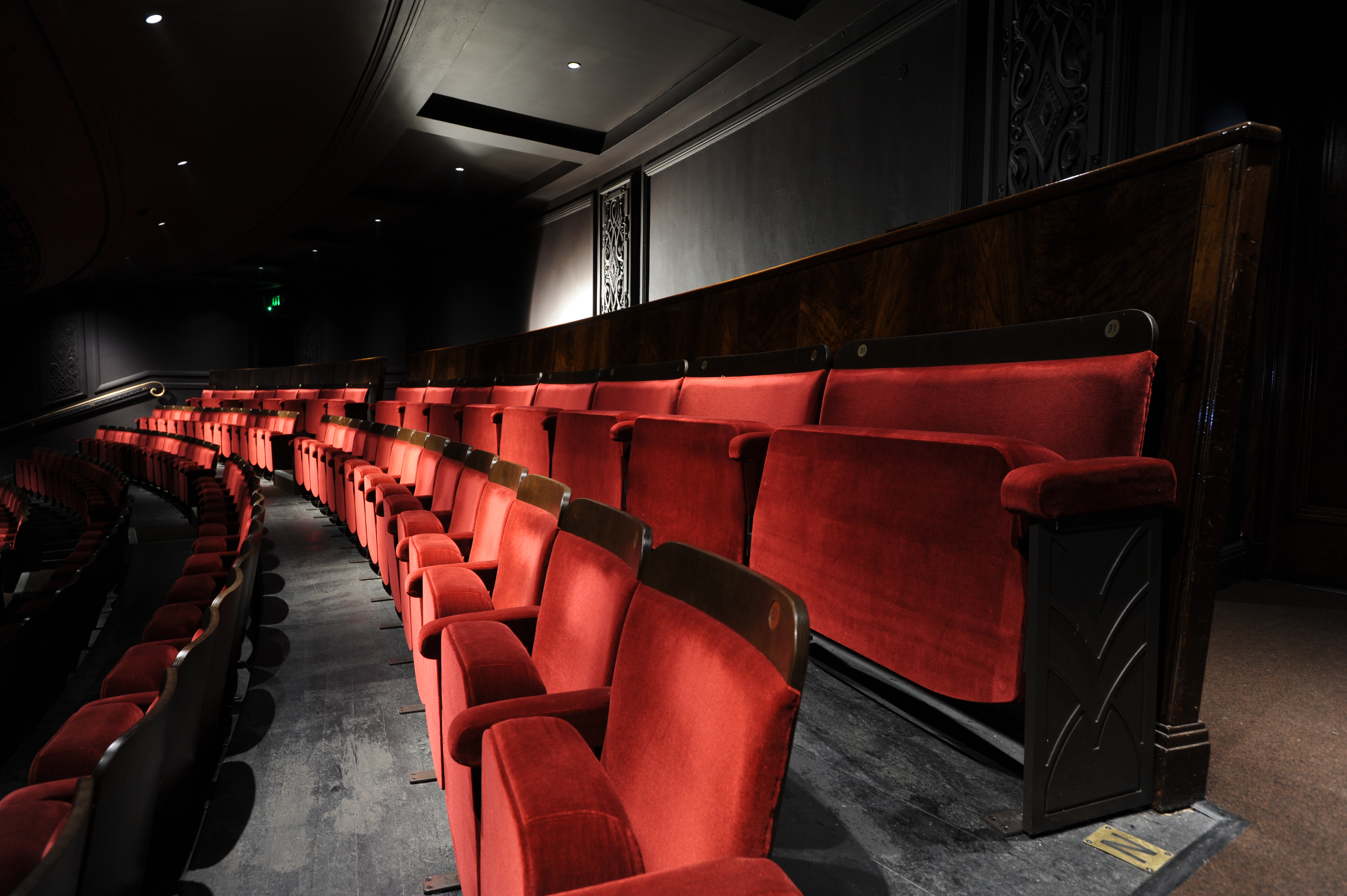 Ambassador Traditionally Styled Theatre Chairs Evertaut