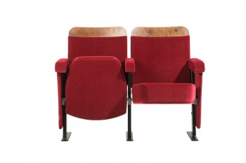 AMBASSADOR Traditionally styled theatre chair