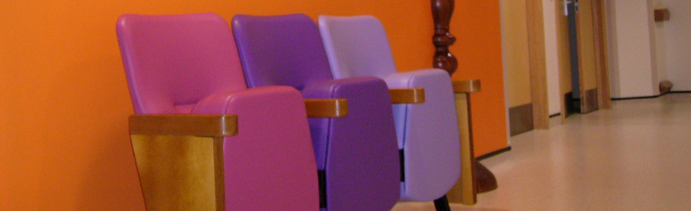 Evertaut Bradford Beam seating in hospital corridor upholstered in pink, purple and lilac vinyl