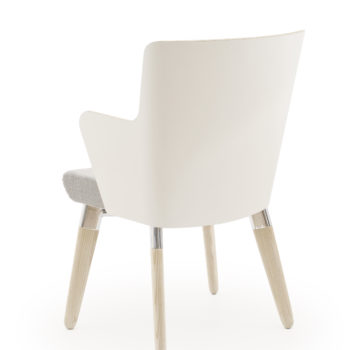Skapa armchair with wooden legs and laminate back and arms